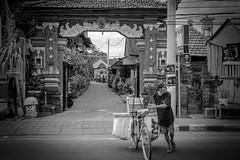 Bali way of life (Markus Jaschke) Tags: fuji fujixe3 27 27mm bw menschen people bali indonesien