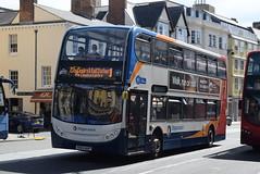 SO 10068 @ High Street, Oxford (ianjpoole) Tags: stagecoach oxfordshire alexander dennis enviro 400 sk63aup 10068 working route 1 sandy lane blackbird leys speedwell street oxford
