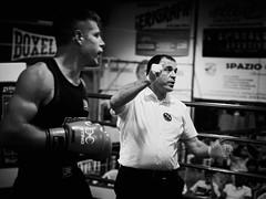 35235 - Referee (Diego Rosato) Tags: boxe pugilato boxelatina boxing ring match incontro nikon d700 2470mm tamron bianconero blackwhite referee arbitro