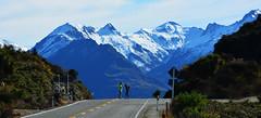 En medio del camino (Miradortigre) Tags: newzealand nuevazelanda landscape paisaje road camino montaña mountain nieve snow trip estrada ruta