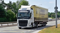 PJ15 OCB (Martin's Online Photography) Tags: volvo fh4 truck wagon lorry vehicle freight haulage commercial transport a580 leigh lancashire nikon nikond7200
