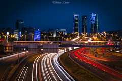 CTBA desde A1 (esteban.crespofernandez) Tags: ctba torres tours towers rascacielos skycrapers gratteciels autopista motorway autoroute noche night noite a1 madrid spain espagne nikon d5200 larga exposicion long exposition exposure pose longue coches cars voitures luces lights lumieres
