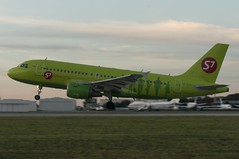 KZN/UWKD: VP-BTP S7 - Siberia Airlines Airbus A319-114 (renassimo) Tags: airplane airport kzn kazan tatarstan russia s7airlines a319 airbus