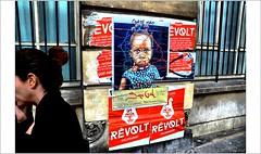 Une passante  trop pressée..... (mamasuco) Tags: nikon d7000 paris graffitis streetart guatemao affiches