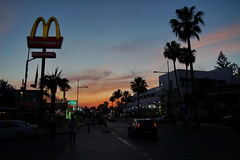 """Sunset boulevard"" (Steenjep) Tags: cypern cyprus zypern ferie holiday rejse travel night street streetlife people traffic car"