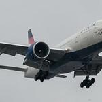 Delta 777 landing at KLAX thumbnail
