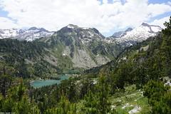 Les Laquettes - Hautes Pyrénées (SabineLacombe) Tags: montagne hautespyrénées roche neige randonnée laquettes eau occitanie