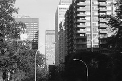 000018690020 (Annelaurea) Tags: montreal cityscape bw architecture graphic symetrical