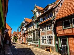 sehr schöne alte Gassen in Lauenburg (mariomüller1) Tags: gasse strasse street farbe alt old häuser fachwerk halftimbered houses