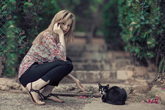 A girl and a cat (Vagelis Pikoulas) Tags: portrait sigma f14 art canon 6d woman women girl girls beautiful beauty cat athens greece bokeh photography photoshoot june summer 2018
