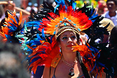 Carnaval Parade SF 178a (TheseusPhoto) Tags: colors colorsoftheworld parade people costume carnaval carnaval2018 carnavalsf streetphotography street candid headdress woman face feathers culture makeup