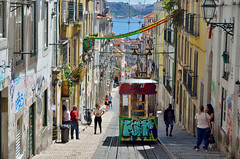 Lisboa (Erre Taele) Tags: tajo lisboa tranvia trolley car portugal trolleycar colors colores capital europa europe summer verano uda koloreak