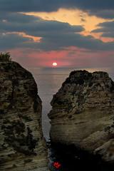 Raouche rock sunset (mohammedjabry) Tags: lebanon beirut corniche mediterranean dslr canon 1200d sea sunset raouche raouché rock pigeon pigeonrock