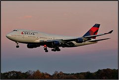 N662US Delta Air Lines (Bob Garrard) Tags: n662us delta air lines northwest airlines boeing 747 bwi kbwi sun sunset