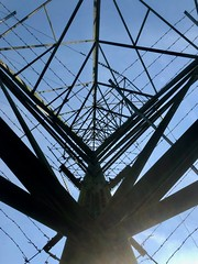 Pylon 187:365 JF (2) (♔ Georgie R) Tags: pylon maidenbower crawley sussex