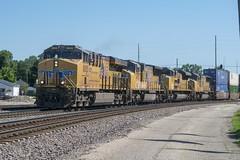 UP 8005 (SouthShoreFan) Tags: bnsf up uprr ge trains
