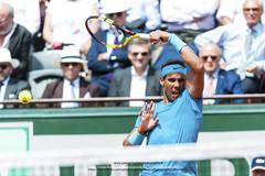 TENNIS - ROLAND GARROS 2018 - DAY 9 (pierre charlier photographe) Tags: 2018 battue chelem clay court day9 france garros grand open paris roland slam sport tennis terre fra