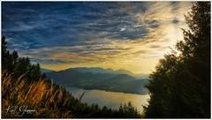 Abend am Traunsee (Karl Glinsner) Tags: landschaft landscape österreich austria oberösterreich upperaustria salzkammergut outdoors abend evening sonnenuntergang sunset see lake bäume trees abendrot traunsee