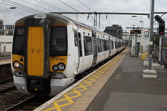 379002 (Rob390029) Tags: 379002 emu electric multiple unit train track tracks rail rails travel travelling transport transportation transit public bethnal green railway station bet london geml great eastern mainline abelio greater anglia