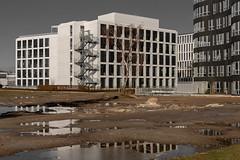 Urbanität (ARTUS8) Tags: swo2farbig nikon28300mmf3556 spiegelung stadt flickr hausgebäude modernearchitektur nikond800 treppe reflection