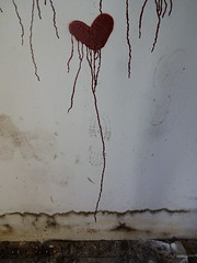 Heart beats * (Sterneck) Tags: heat beats blood flows herz liebe herzschlag streetart street art wand blut heart love heartbeat wall flow latido cardíaco del amor sex free