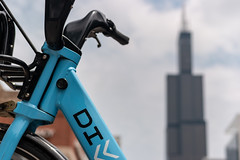 DIVVY bike share with Willis Tower in background (paul.wasneski) Tags: bikeshare divvy motivate chicago chitown willistower skyline skyscraper bicycle illinois unitedstates us