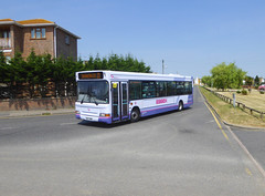FIRST BUS ESSEX 42485 - SN03WMM - NSF - WESTERN ESPLANADE CANVEY ISLAND - SUN 1ST JULY 2018 (Bexleybus) Tags: firstbus first bus essex canvey island labworth route 21 adl dennis dart 42485 sn03wmm western esplanade