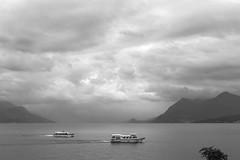 Lago Maggiore (JLM62380) Tags: bateaux boats lacmajeur italie montagne ciel eau paysage lac italy italia stresa nuages clouds monochrome blackandwhite lagomaggiore