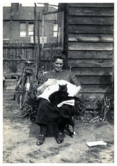 MY PUSSY  TINKER (JOHN MORGANs OLD PHOTOS.) Tags: vintage found photo old photos photographer people bw black and white uk unusual unitedkingdom unknown unique interesting different johnmorgan family happy