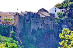 538 - Cap Corse - Nonza,es maisons en haut de la falaise (paspog) Tags: nonza corse corsica captcorse mai may 2018 falaise cliff maisons houses häuser
