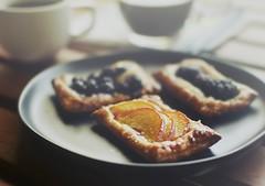 fresh fruit hand tarts... at home (r.e. ~) Tags: tarts fruit handpie handtart comida postre baking theraphy