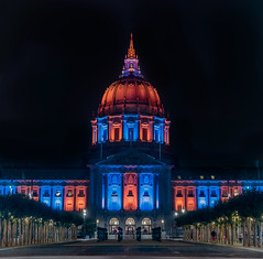 city hall illuminated for a private event (pbo31) Tags: sanfrancisco california city urban july summer 2018 boury pbo31 nikon d810 night dark black blue panoramic large stitched panorama civiccenter cityhall illuminated larkinstreet dome orange private event