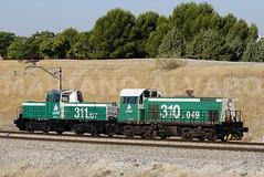 Con la barriga llena (Mariano Alvaro) Tags: 310 311 adif renfe tractor maniobras diesel vallecas madrid