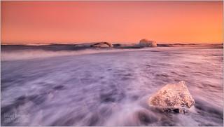DIAMOND BEACH SUNSET, ICELAND