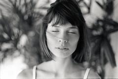 Nicolle (clarapnaraujo) Tags: portrait 35mm analog film ilfordhp5 canoneos3000 claraaraujo
