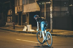 _MG_4553 (catuo) Tags: cycling cyclingteam people portrait sportphotography sport streetphotography street race racing bike trackbike bicicleta colombia carrera ciclismo canon noche alleycat