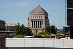 Indianapolis, Indiana (Roger Gerbig) Tags: indianapolis indiana downtown rogergerbig indianawarmemorial