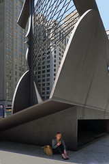 (Tomošius) Tags: chicago illinois usa ©tomaspetkus2018 tomaspetkus 42dward downtown fujifilmxpro2 fujinonxf18mmf2 street streetphotography documentary city urban bw candid weird straight park human noiretblanc blackandwhite daleyplaza