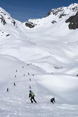 Parcours de la Rosablanche jusqu au col de la Chaux (Patrouille des Glaciers) Tags: pdg alpinisme course neige printemps ski spectateurs verbiert valais suisse ch 2018