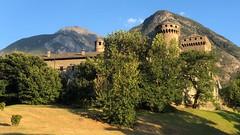 Aosta A002. (Joanbrebo) Tags: paisatge paisaje landscape castillo castell castle iphone365 iphonex italia valled'aosta castellodifénis