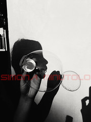 pH-otographic (Scheggya) Tags: photographic blackandwhite biancoenero today´sbest art shadowplay silhouette street retro fotoclip song 80