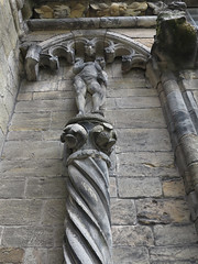 topless statue (squeezemonkey) Tags: scotland stirling stirlingcastle statue stonework carving building woman dancing heads theroyalpalace scultures wingedheads