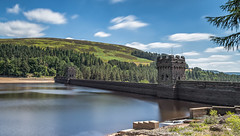 Dam wall between Derwent and Ladybower reservoirs. (Ade McCabe) Tags: derwentreservoir dam derbyshire peakdistrict ladybower derwentedge fairholmes sky cloud water reservoir nikon nikond750 nikon24120 le