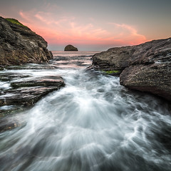 Taberwith Strand Sunrise (Nathan J Hammonds) Tags: taberwith strand cornwall england uk coast sea seascape tide sunrise gull rock long exposure ndfilter lee filters nikon d750 pink summer cove movement wet sky morning early