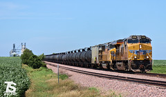 UP 8198 Leads SB Manifest Buckeye, IA 6-29-18 (KansasScanner) Tags: iowa iowafalls ackley buckeye alden cn csx up ns bnsf iarr train railroad sunset
