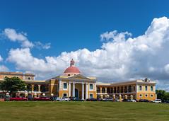 Escuela de Artes Plásticas, Old San Juan (Foto Blitz Color) Tags: sanjuan puertorico july summer oldsanjuan escueladeartesplásticas yellow building dome school