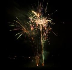 P7020109 (Copy) (pandjt) Tags: ottawa canadaday beaconhill beaconhillcommunityassociation ontario fireworks loyolapark