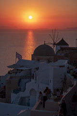 Staring At The Sun (sdupimages) Tags: sea mer santorini seascape landscape cityscape sunset shadow ombre silhouette paysage