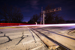 traffic (Tomás Harrison Fotografía) Tags: longexposure lighttrails d750 nikon traintracks traffic aleatoriclightpainting availablelight night austin landscape afnikkor24mmf28d rail atx railroad tx usa