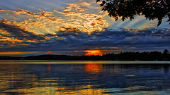 Dusk's Glow (Bob's Digital Eye) Tags: bobsdigitaleye canon clouds efs24mmf28stm flicker flickr july2018 laquintaessenza lake lakesunsets lakescape reflections sky skyscape sun sunset sunsetsoverwater t3i water